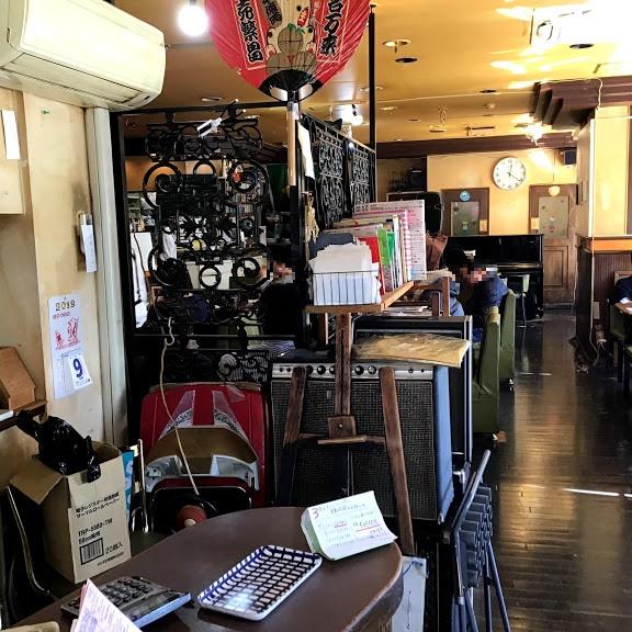 喫茶店内の風景