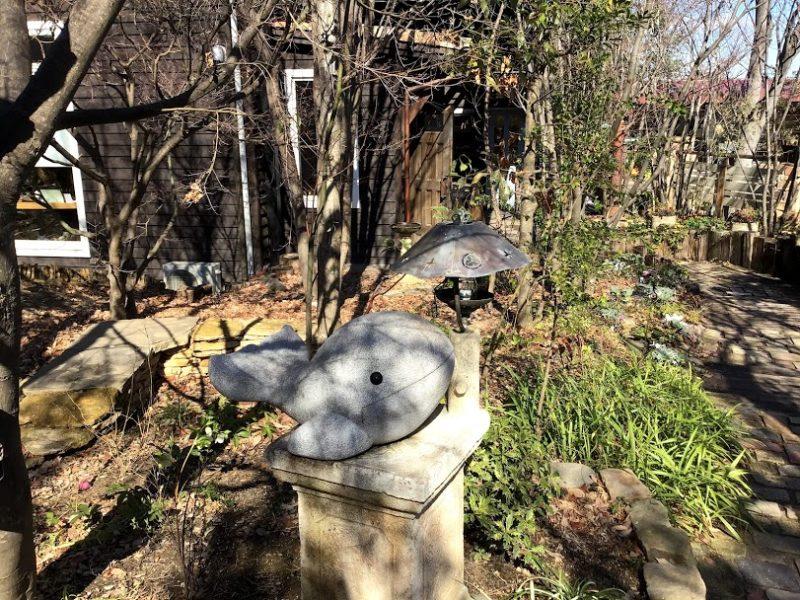 けやきの杜 庭園の石像