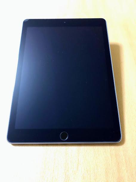 iPadに貼り付けたガラスフィルムの写真